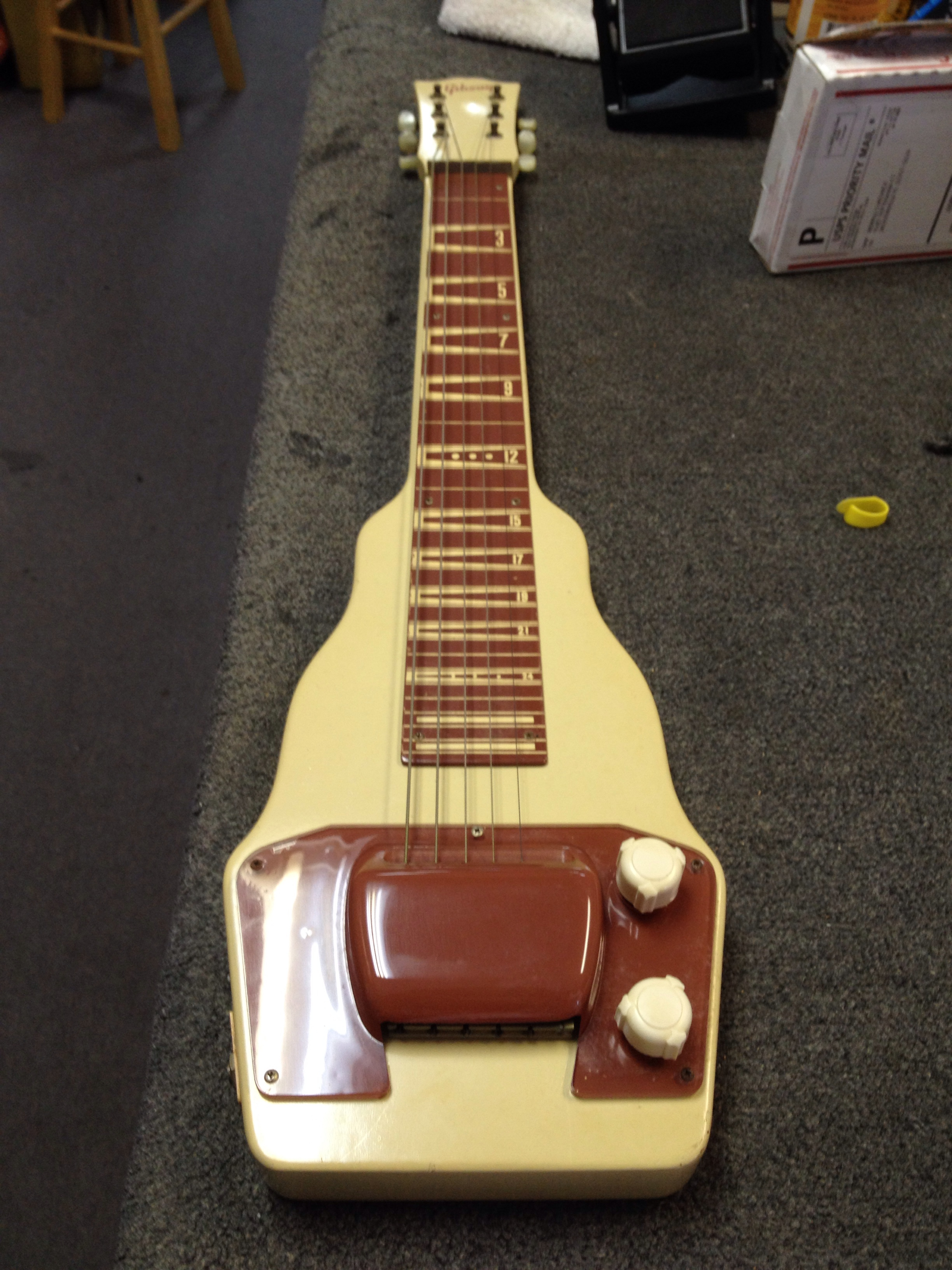 Yesterday we appraised this old Gibson BR-9 lap steel and amp